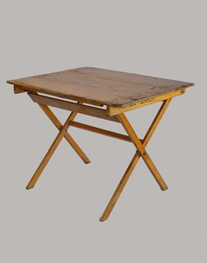 Tafel 50x90 hout huren Lokeren