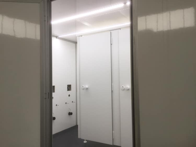 VIP toiletwagen groot huren Lokeren